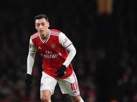 Özil não entrará em campo até fevereiro.EFE/EPA/FACUNDO ARRIZABALAGA