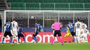 Lukaku evita el primer sofocón. EFE/Matteo Bazzi
