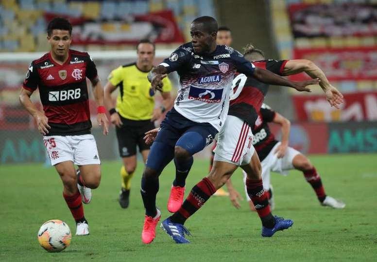 Flamengo encerrou a participação na fase de grupos com vitória em casa. EFE/Sergio Moraes