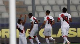 Lapadula, más cerca de jugar con Perú. EFE