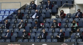 The Barcelona board are not planning to resign for now. EFE