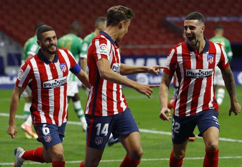 El Atlético es el equipo más goleador y el menos goleado de LaLiga. EFE