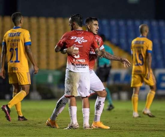 Lezcano afea la racha inmaculada de Tigres. EFE/Miguel Sierra