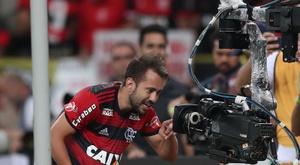 Flamengo amarga la fiesta en Porto Alegre. EFE