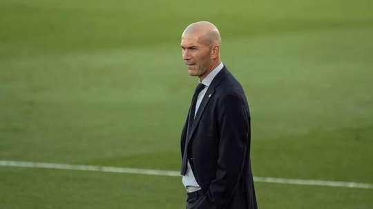 Zinedine Zidane cogita mudança de estratégia para evitar nova decepção em casa. EFE/Rodrigo Jiménez