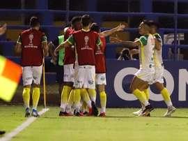 Defensa y Justicia se llevó los 3 puntos de la casa de Sportivo Luqueño. EFE