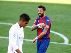 Morales sufre un esguince y podría perderse el choque ante el Granada. EFE