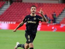 Joselu pidió garra al Alavés para plantar cara al Barcelona. EFE