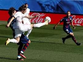Mosquera dejó claro que en la SD Huesca confían en su entrenador. EFE
