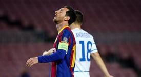 Mykolenko quería medirse al argentino Leo Messi. EFE
