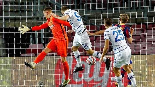 Champions League, prováveis escalações de Dínamo de Kiev e Barcelona. EFE / Enric Fontcuberta