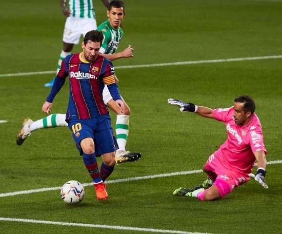 Bravo returned to the Camp Nou. EFE