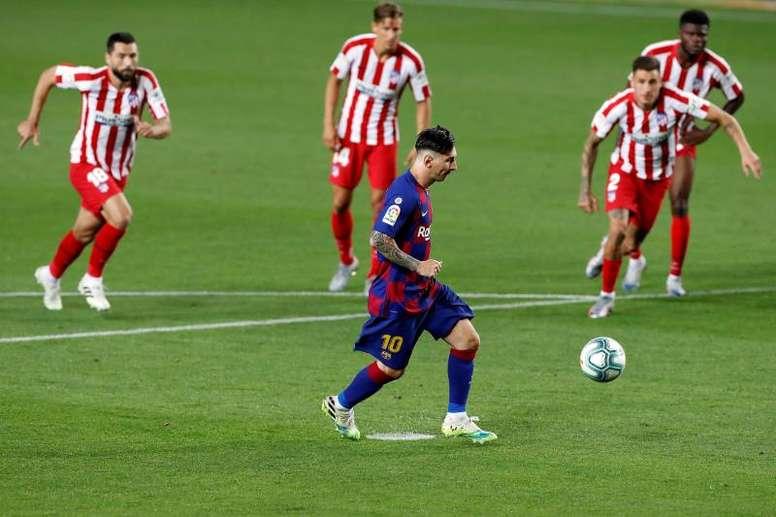 O Atlético de Madrid recebe o Barcelona neste sábado. EFE/Alberto Estévez/Arquivo
