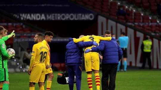 'SER Catalunya': Pique decides not to have operation. EFE