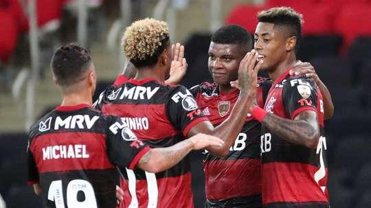 Prováveis escalações de Racing e Flamengo. EFE