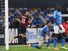 Ibra hizo los dos primeros del Milan antes de caer lesionado. EFE/EPA