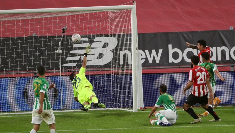 El Athletic goleó al Betis en San Mamés