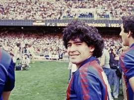Maradona dejó Barcelona y puso rumbo a Nápoles. EFE