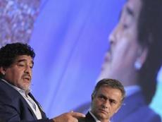 Mourinho profesaba cariño y admiración a Maradona. EFE/Archivo
