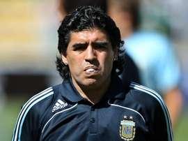 Bolivia siente la muerte del mito del fútbol Diego Armando Maradona. EFE