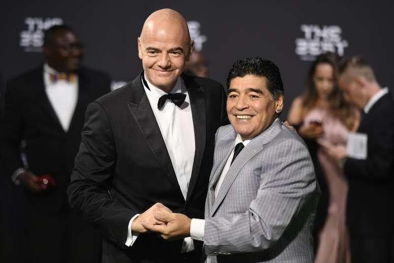 Infantino dio su pésame por la pérdida de Maradona. EFE