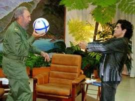 Fidel y Maradona han fallecido el mismo día, con cuatro años de diferencia. EFE/Canal13