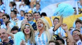Maradona inspiró el himno argentino que picó a los brasileños en 2014. EFE