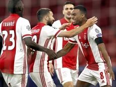 El Ajax cumple y sueña. EFE