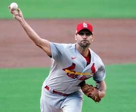 En la imagen, el beisbolista, Adam Wainwright, hoy agente libre. EFE/EPA/ALEX GALLARDO/Archivo