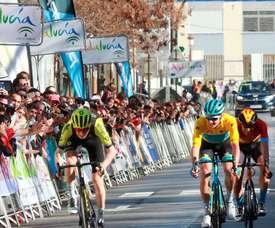 La sexagésimo séptima Vuelta Ciclista a Andalucía-Ruta del Sol se disputará en 2021 entre el 17 y el 21 de febrero y la Unión Ciclista Internacional(UCI) le ha concedido la categoría Proseries por segundo año consecutivo, anunció a EFE Joaquín Cuevas, director general de la prueba. EFE Pepe Torres/Archivo