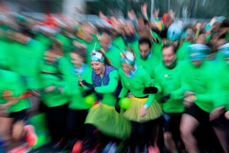 La San Silvestre Vallecana celebrará este año una edición atípica con una sola prueba sobre el asfalto limitada a la elite y corredores con tiempos inferiores en 10 kilómetros a 34 minutos en hombres y 40 en mujeres, en un recorrido por desvelar de 2,5 kilómetros al que se darán cuatro vueltas. EFE/Fernando Alvarado/Archivo