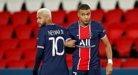 Neymar estaría por delante de Mbappé para continuar en el PSG. EFE/EPA