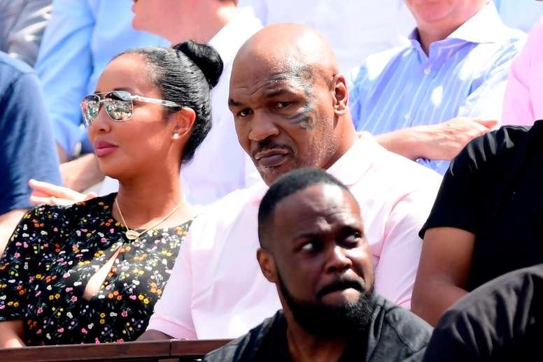 El boxeador estadounidense Mike Tyson volverá a los cuadriláteros este sábado 28 de noviembre en un combate de exhibición contra su compatriota Roy Jones Jr. en el Staples Center de Los Ángeles (EEUU). EFE/CAROLINE BLUMBERG/Archivo