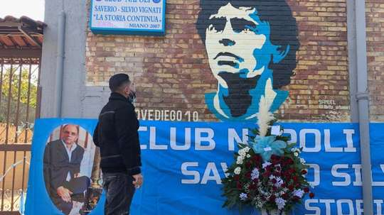 Police will guard the grave of Maradona. EFE