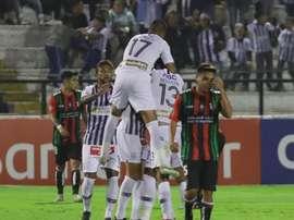 Alianza Lima se juega su puesto en la máxima categoría peruana. EFE