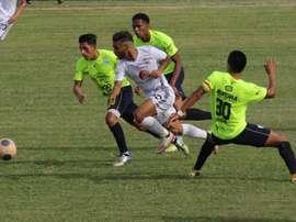El fútbol profesional regresa a Bolivia tras ocho meses de parón. EFE