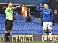 James y su Everton tropezaron en casa. EFE