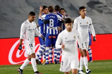Las posibles alineaciones del Alavés-Real Madrid. EFE