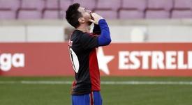Magnifique but de Messi et poignant hommage pour Maradona. EFE