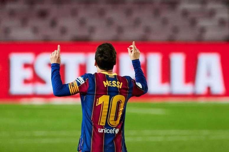 Marcelo Bielsa se emocionó con el homenaje de Messi a Maradona. EFE/Archivo