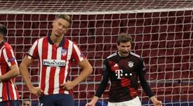 Madrid y Atleti se la jugarán a todo o nada; el Liverpool, a octavos. EFE