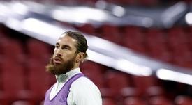 Sergio Ramos deve ficar pelo menos uma semana em recuperação. EFE/EPA/KOEN VAN WEEL