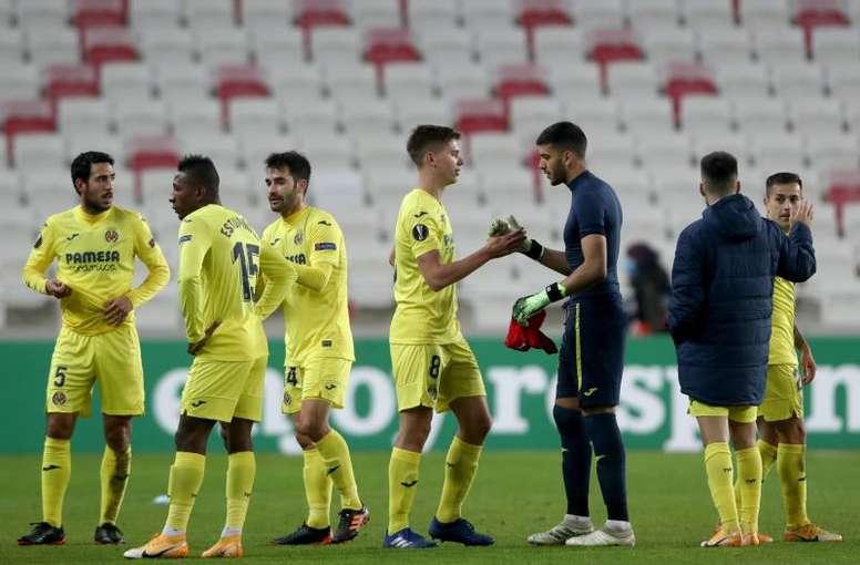 El Villarreal quería haber vuelto a España el jueves, pero tuvo que dejarlo para el viernes. EFE