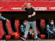 Paco López prefirió no poner fecha al alta de sus lesionados. EFE