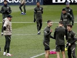 Suárez y Vrsaljko fueron las novedades en el Atlético de Madrid. EFE