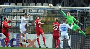 El AZ Alkmaar se pierde en los Balcanes y se despide de Europa. EFE/EPA
