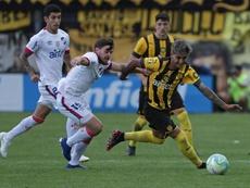Peñarol reina con sufrimiento ante Nacional. EFE