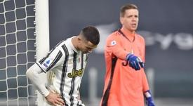 La Juventus se inmola por obra de Cuadrado. EFE