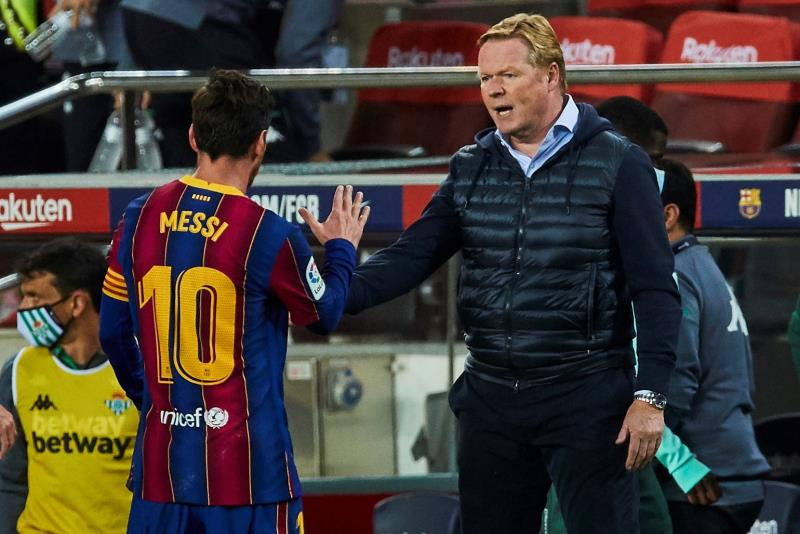 Messi cumprimenta Ronald Koeman