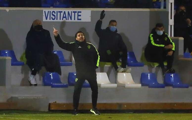 Tras perder ante el Betis, la SD Huesca destituyó a Míchel. EFE